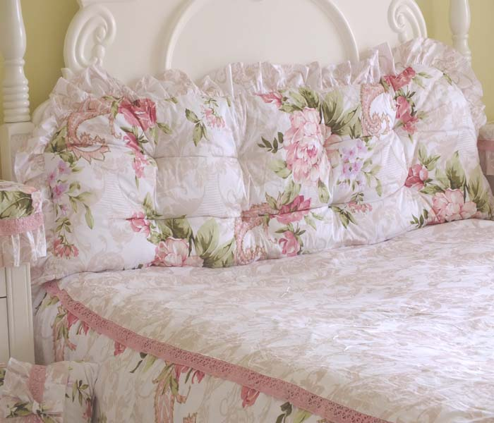 Pre-Order หมอนหัวเตียงเจ้าหญิง พื้นขาวลายดอกไม้