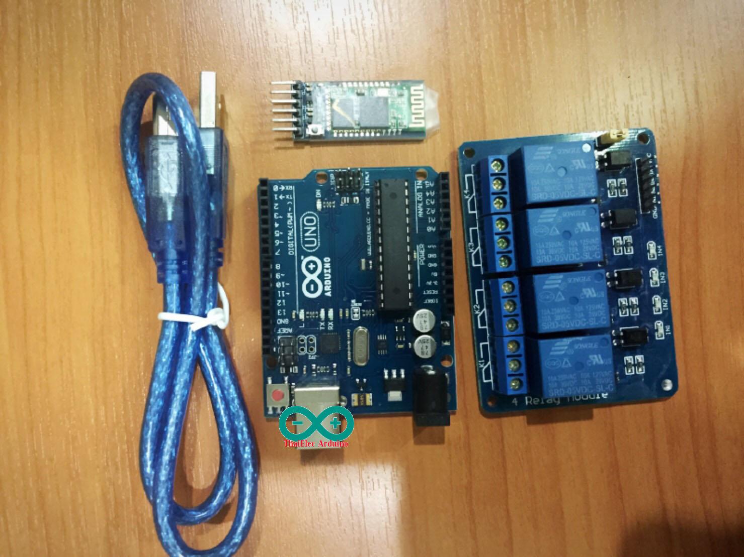 ชุดยอดนิยมควบคุมไฟฟ้าน Bluetooth Arduino Uno R3 + Relay 4 Out + Bluetooth (HC-05 หรือ HC-06)