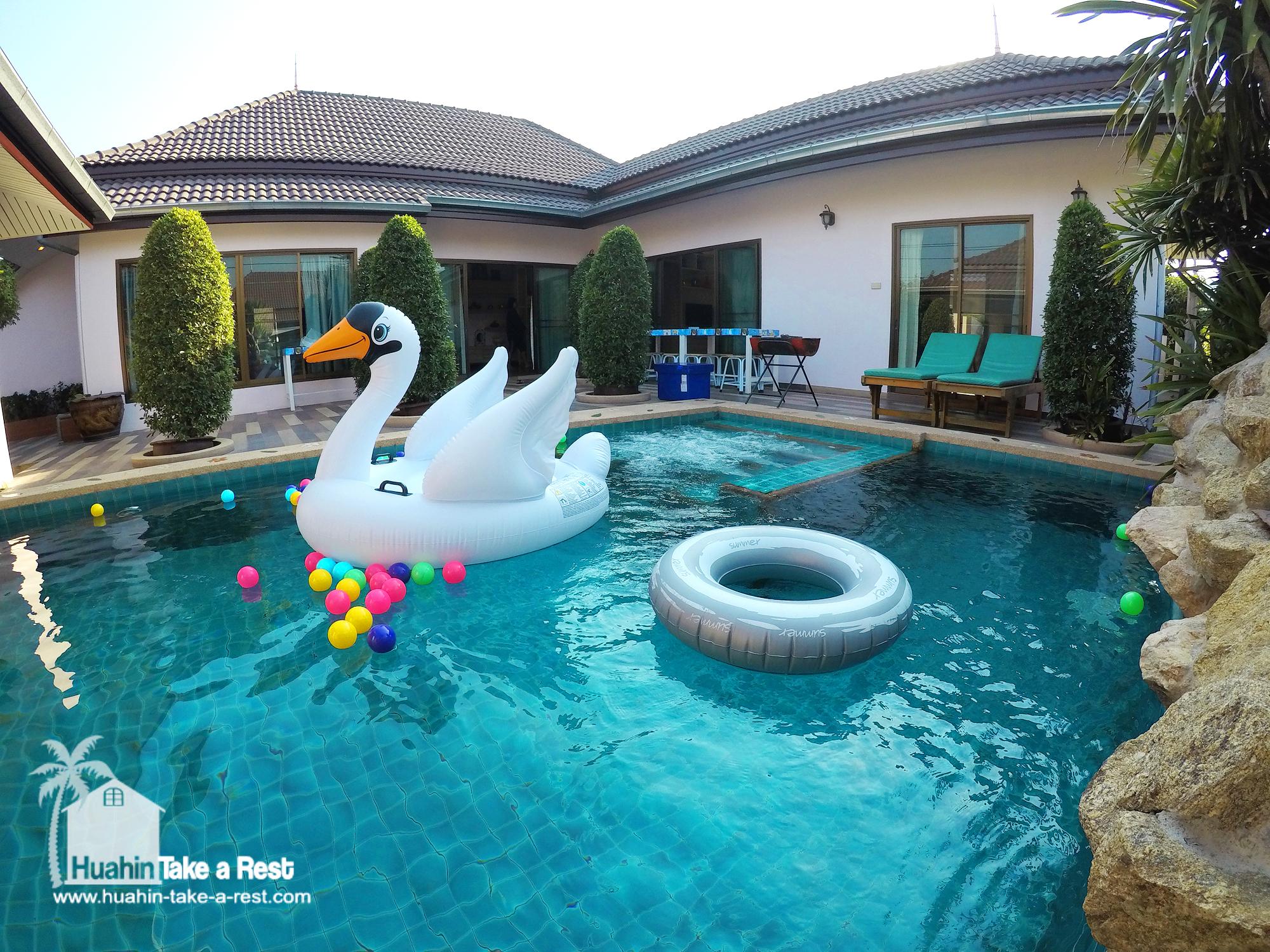 HR 4003 บ้านพักหัวหิน บ้านอุ้มรัก พร้อมสระว่ายน้ำ