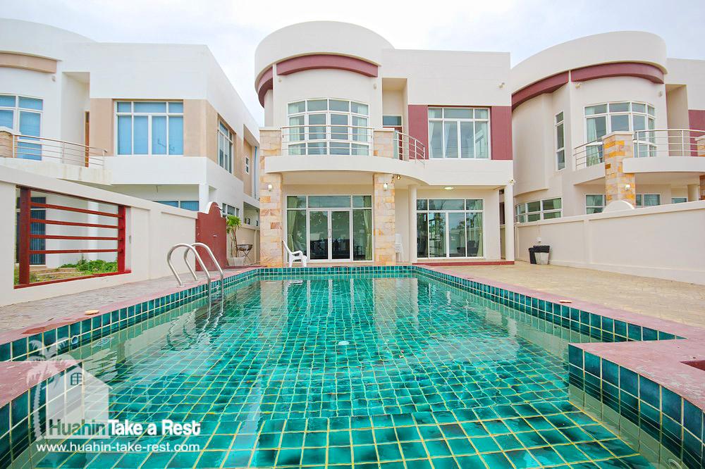 HR 13002 บ้านพักริมทะเล ปราณบุรี
