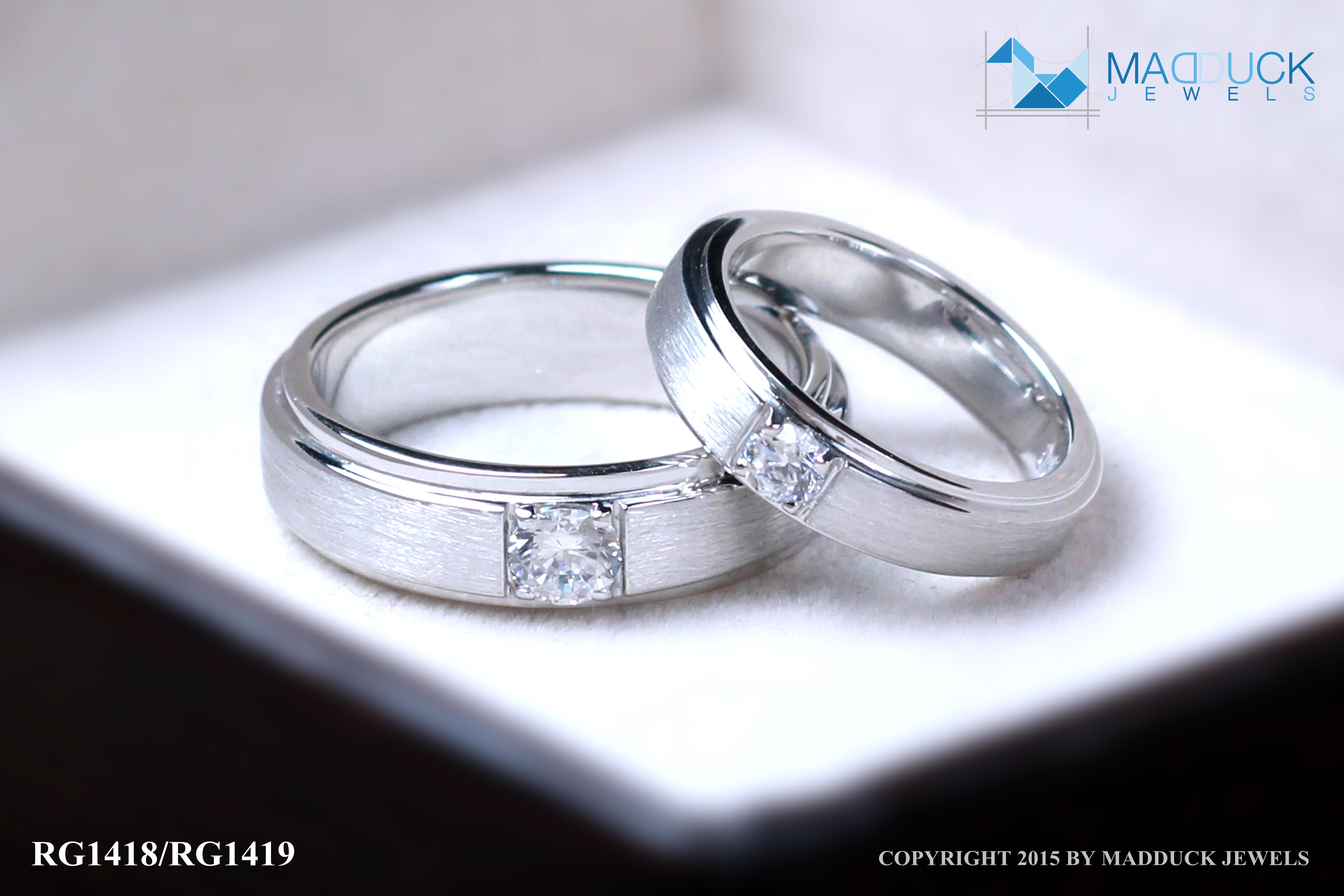 แหวนคู่รักเงินแท้ เพชรสังเคราะห์ ชุบทองคำขาว รุ่น LV14181419 Tollway Star