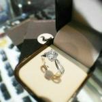 แหวนเงินแท้ เพชรสังเคราะห์ ชุบทองคำขาว รุ่น RG1542 1.00 carat Chapter G