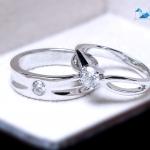 แหวนคู่รักเงินแท้ เพชรสังเคราะห์ ชุบทองคำขาว รุ่น LV15201463 Chapter B & G