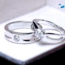 แหวนคู่รักเงินแท้ เพชรสังเคราะห์ ชุบทองคำขาว รุ่น LV15201521 Chapter B&G