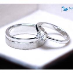 แหวนคู่รักเงินแท้ เพชรสังเคราะห์ ชุบทองคำขาว รุ่น LV14691505 Subway Bar Plain & 0.50 Carat