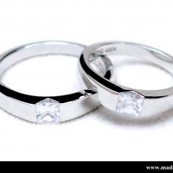 แหวนคู่รักเงินแท้ เพชรสังเคราะห์ ชุบทองคำขาว รุ่น LV1475 Dot Moon Square