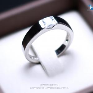 แหวนเงินแท้ เพชรสังเคราะห์ ชุบทองคำขาว รุ่น RG1475 Dot Moon Square G