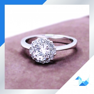 แหวนเงินแท้ เพชรสังเคราะห์ ชุบทองคำขาว รุ่น RG1622 0.55 carat bloom